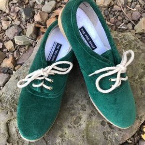 Vintage Green Velour Lace Up Flats Sneakers